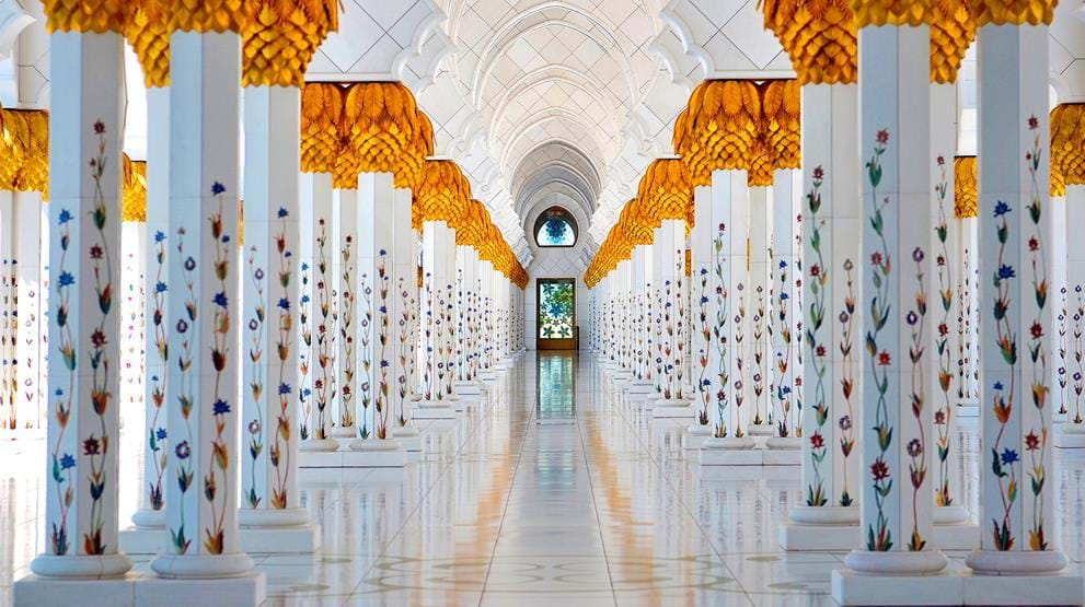 Sheikh Zayed Grand Mosque, Abu Dhabi - Reiser til Emiratene