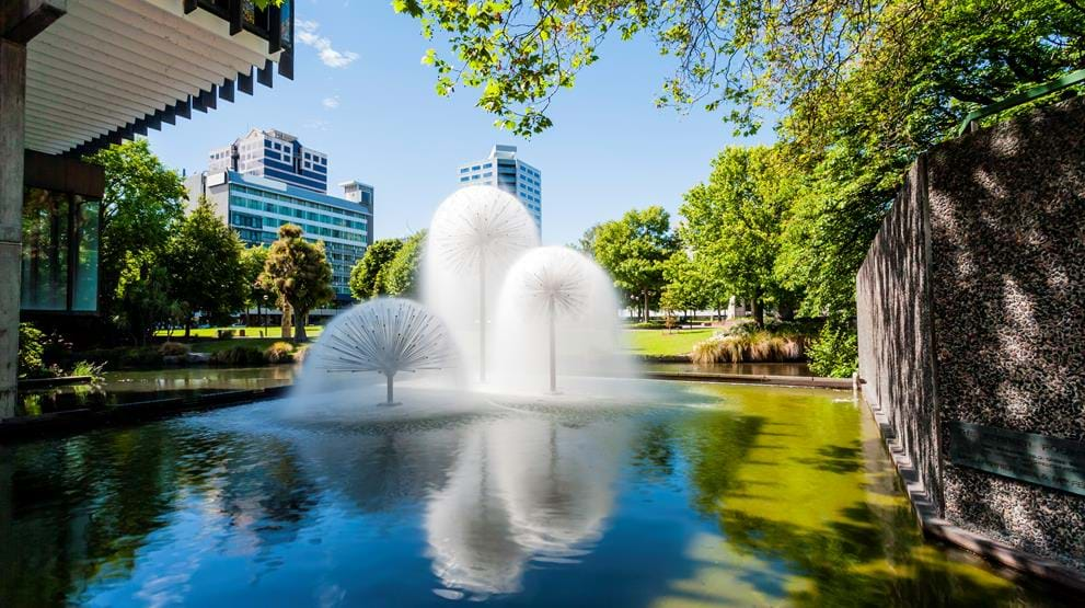 Ferrier Fountain, Victoria Square - Reiser til Christchurch